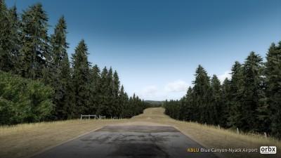 KBLU Blue Canyon-Nyack Airport screenshot
