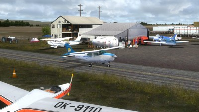 CEJ4 Claresholm Industrial Airport screenshot